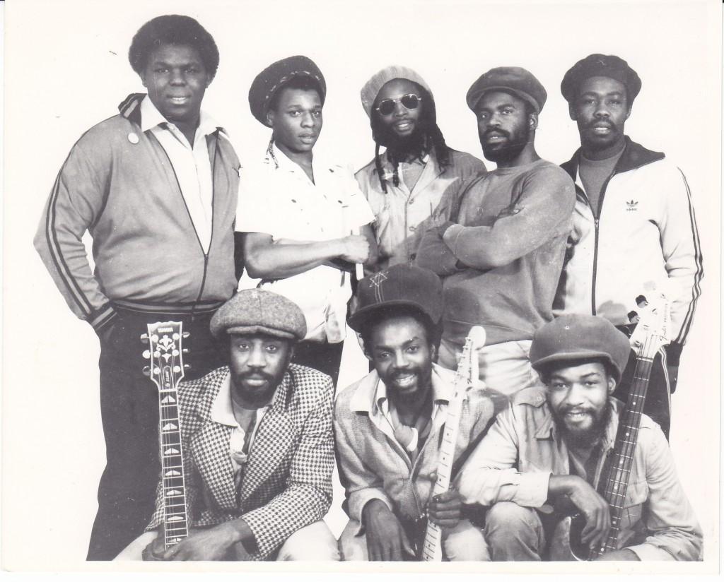 BAR Black Roots