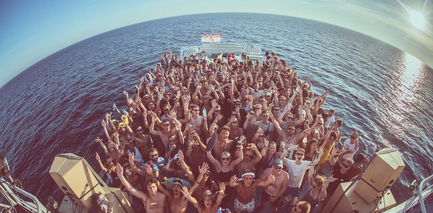 Dimensions boat party