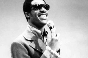 "Stevie Wonder to reveal the ""truth"" on his blindness"